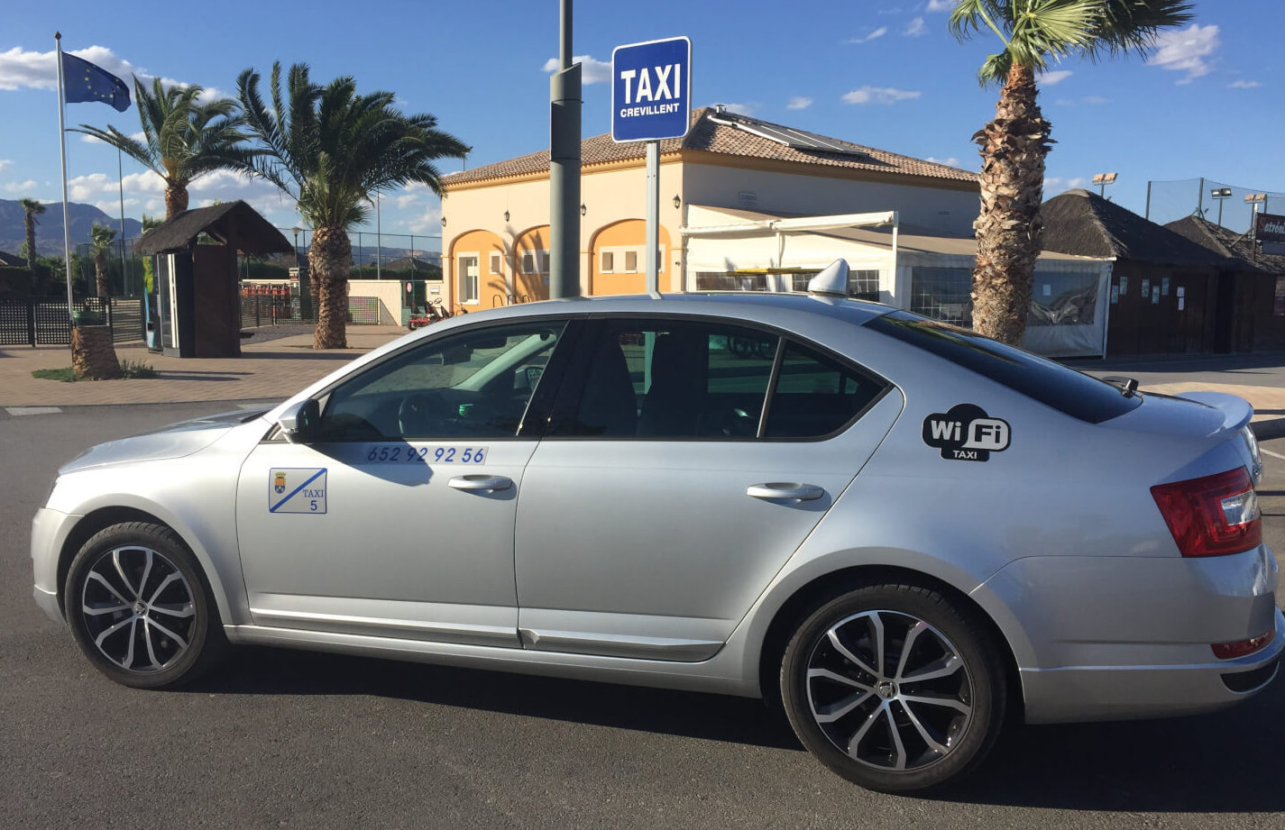 Recibe el mejor servicio de Taxi Crevillente, cómodo, seguro y rápido.